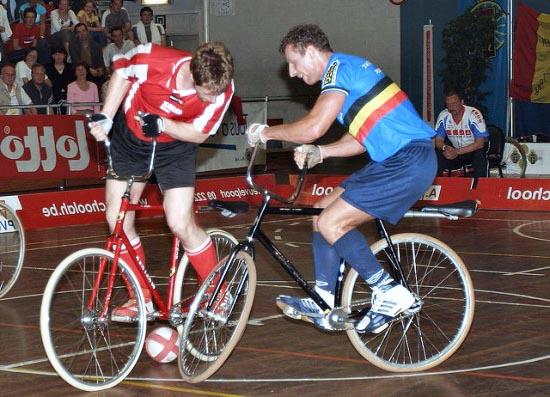 Спортивные игры на велосипеде