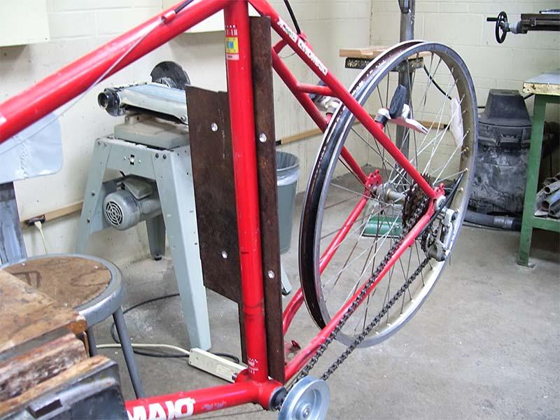 Крепление для двигателя на электрическом велосипеде