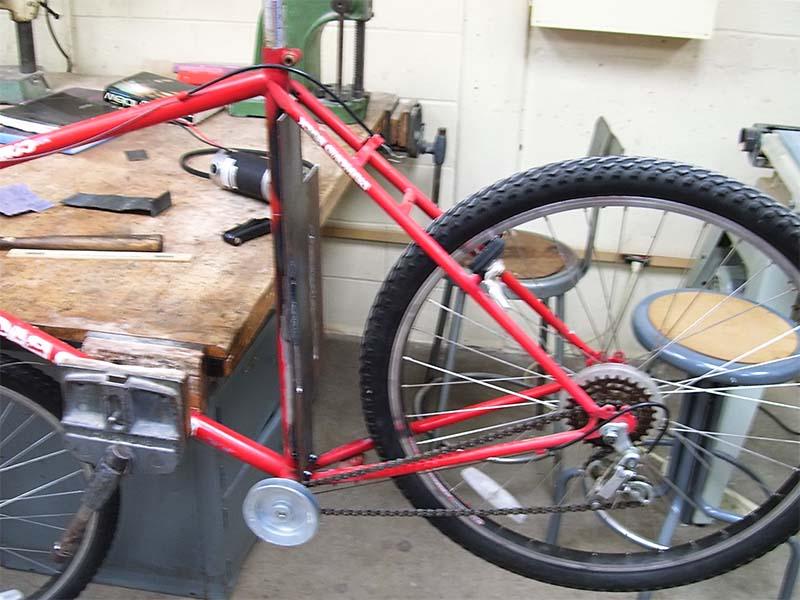 Процесс установки двигателя на велосипед