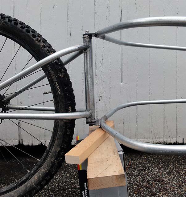 Рама из труб для самодельного прицепа на велосипед