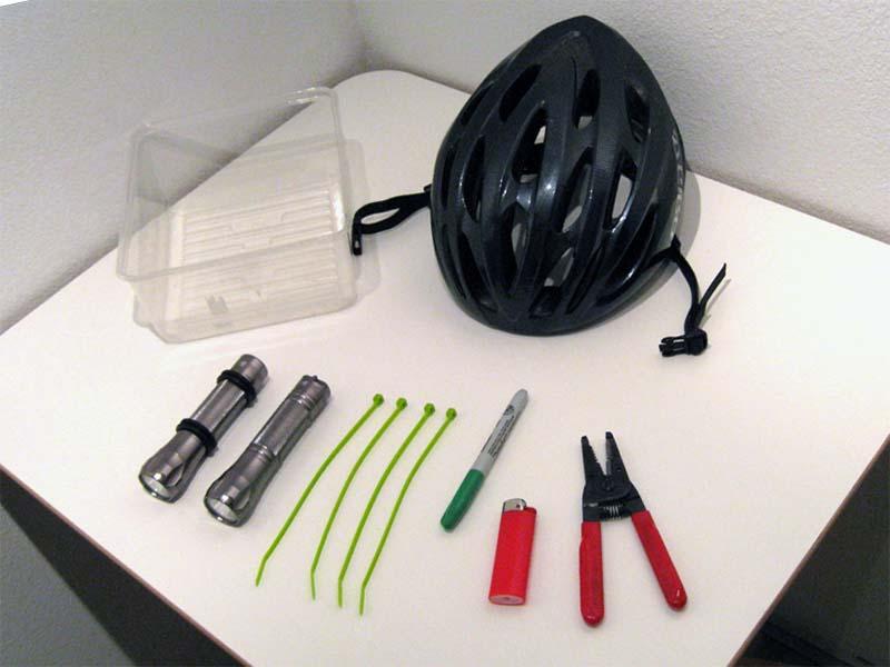 Необходимые компоненты для установки фонарика на шлем