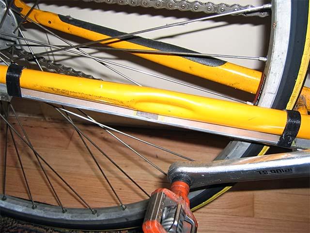 Закрепление ламп с холодным катодом на велосипеде