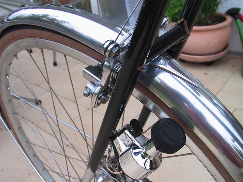 Велосипедная бутылочная динамо-машина