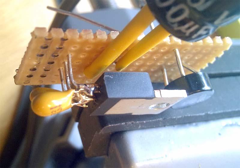 Стабилизатор напряжения на плате зарядного устройства через USB
