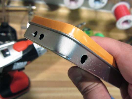 Сверление отверстий в корпусе самодельной USB зарядки