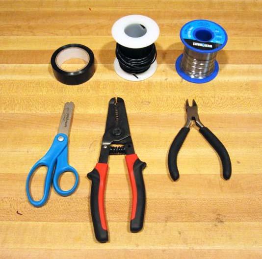 Необходимые инструменты для сборки самодельной зарядки