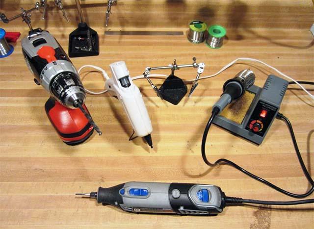 Инструменты для сборки USB зарядки своими руками