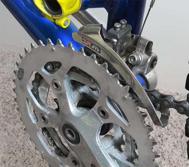 Передний переключатель скоростей на велосипеде