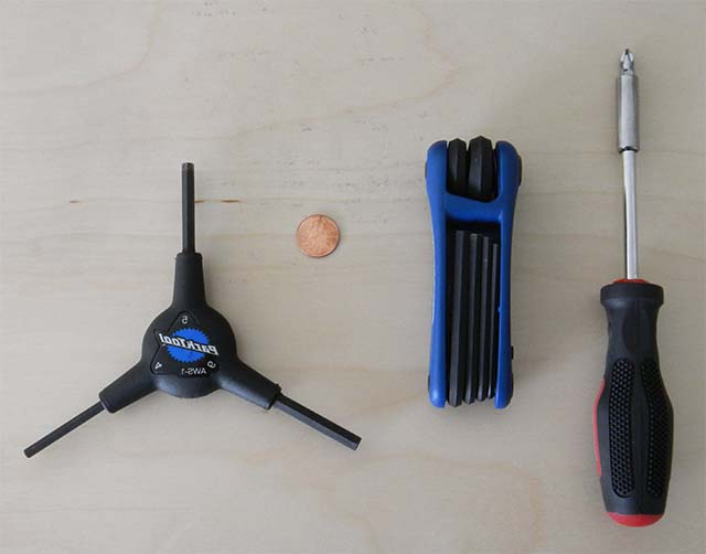 Инструменты для регулировки переднего переключателя скоростей на велосипеде