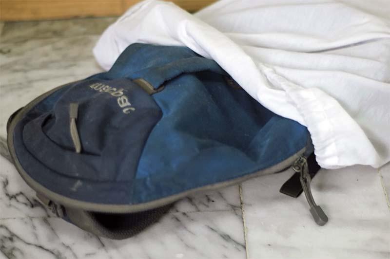 Стирка рюкзака в прачечном мешке