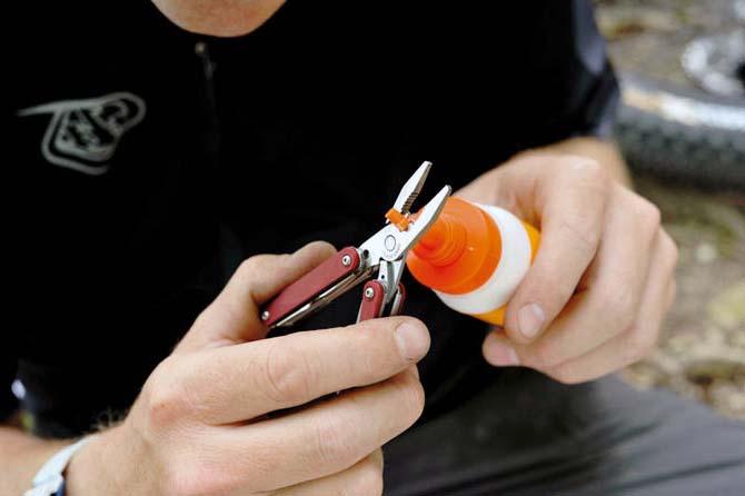 Герметик для камерных и бескамерных шин