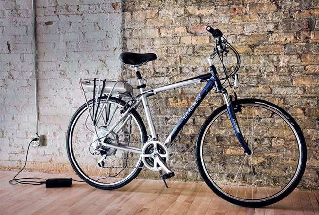 Гибридный велосипед на аккумуляторе Trek