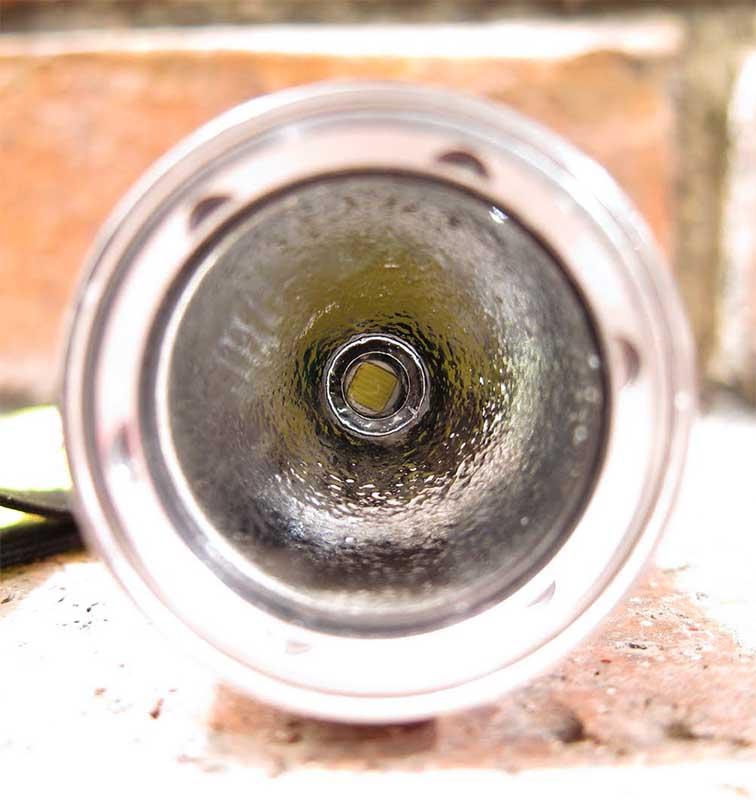 Отражатель OP и светодиод Cree XM-L фонарика Ultrafire T6