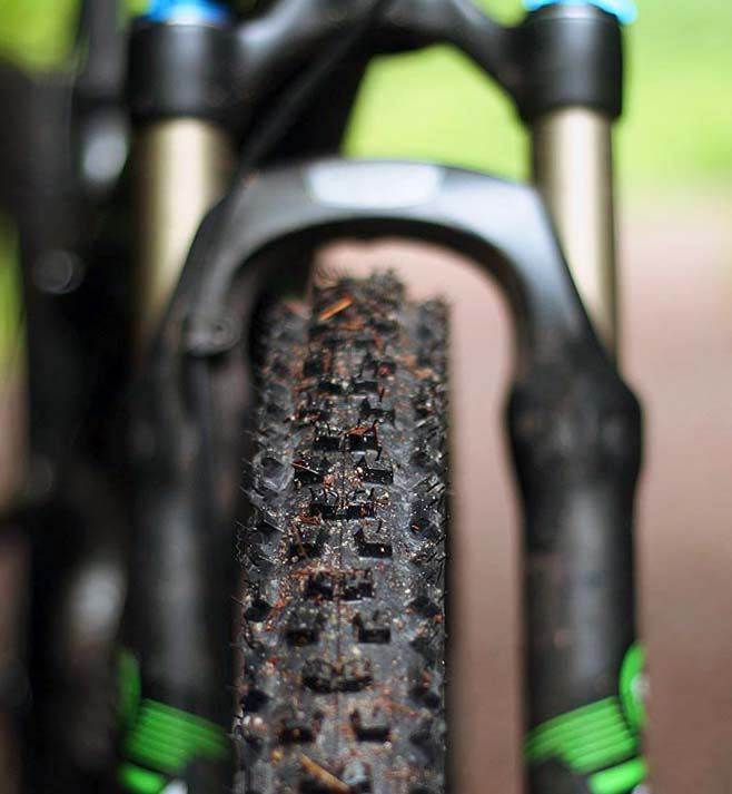 Покрышка для горного велосипеда Continental Mountain King 2,2