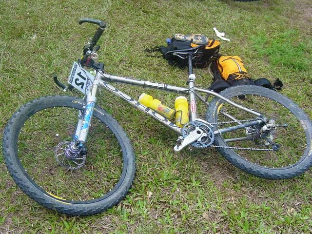 Велосипед с покрышками Schwalbe Black Jack