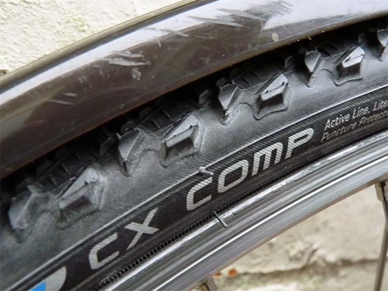 Покрышки Schwalbe CX Comp шириной 30 мм на велосипеде с узкими крыльями
