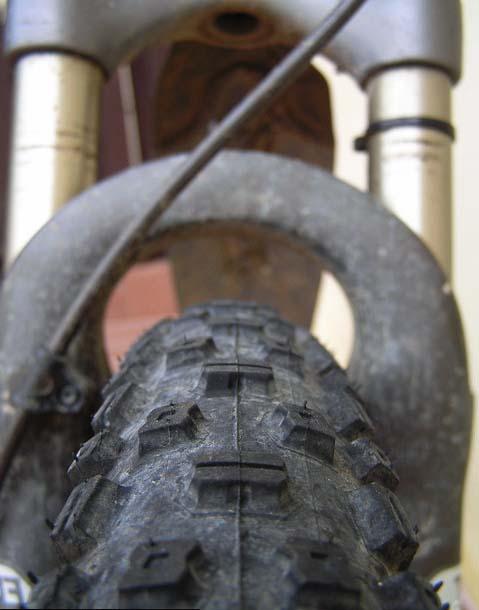Рифлёные шипы покрышек Schwalbe Nobby Nic