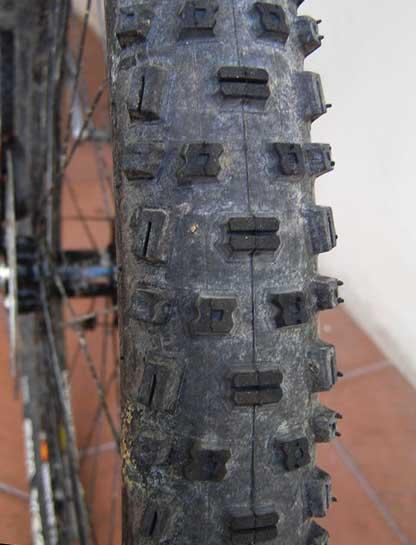 Шипы велосипедных покрышек Schwalbe Nobby Nic