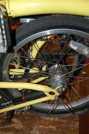Складной велосипед с планетарной втулкой
