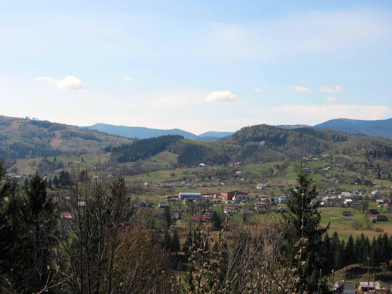 Село Космач в Карпатах