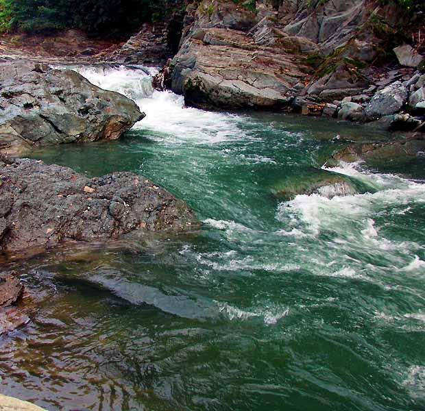 Водопад Косовский Гук