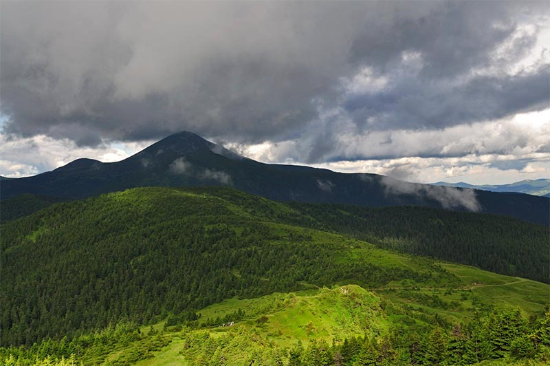 Панорама Черногорского хребта