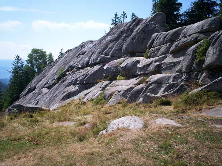 Гора Писаный Камень в Карпатах
